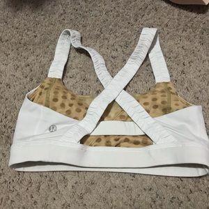 Lululemon sports bra with cups 8